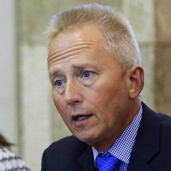 Legislador Van Drew planea hacerse republicano