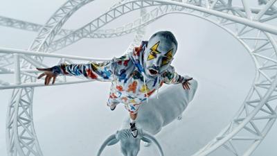 J Balvin muestra su creatividad con su nuevo sencillo Blanco