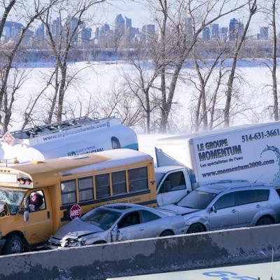 Unos 200 vehículos involucrados en choque múltiple en Canadá