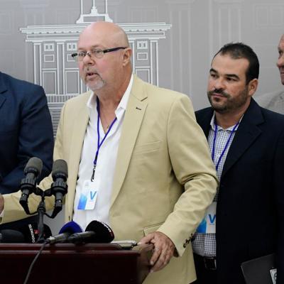 Lecheros reclaman permanencia del director de ORIL