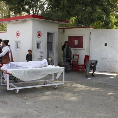 Bomba en Afganistán mata a seis civiles
