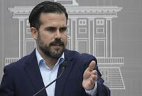 Gobernador reacciona a imputaciones de corrupción