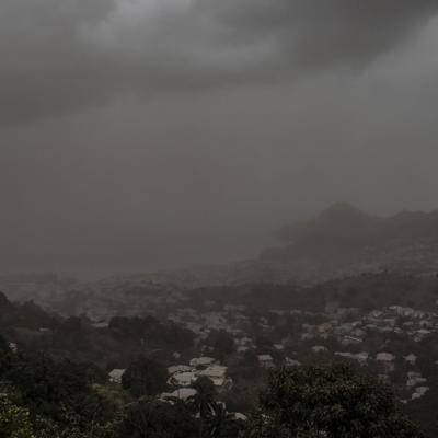 San Vicente pide ayuda internacional tras erupción volcánica