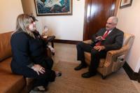 Con apoyo para la gobernación Jenniffer González