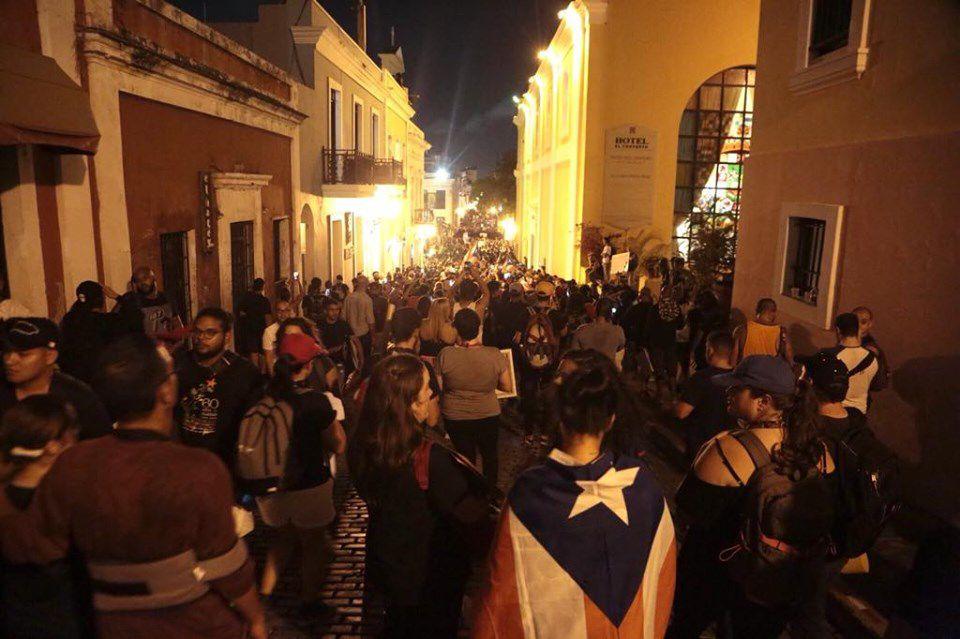 EN VIVO: Continúan protestas en #marcharickyrenuncia