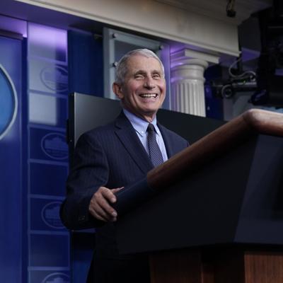 """Fauci: Es """"liberador"""" tener el respaldo de la Casa Blanca"""