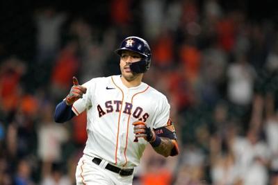 Un doblete de Carlos Correa en la décima entrada encamina a los Astros al triunfo