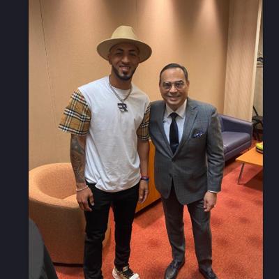 Gilberto Santa Rosa dedica presentación al pelotero puertorriqueño Eddie Rosario