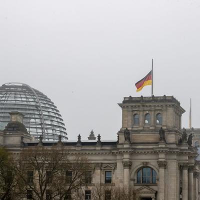 Alemania recuerda a sus casi 80,000 muertos en la pandemia