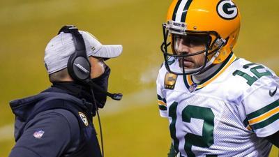 Entrenador insiste en que Packers quieren retener a Rodgers