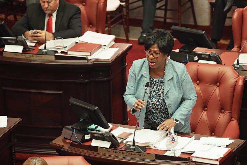 Defraudada Nayda Venegas con el gobernador