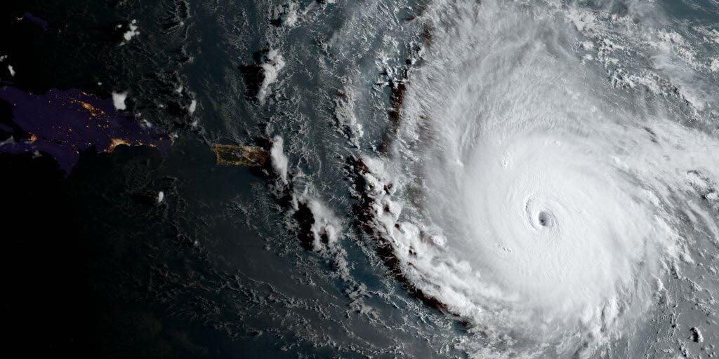 El huracán Irma arrasa varias islas antillanas y roza Puerto Rico