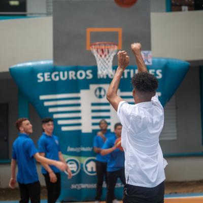 Fundación de J.J. Barea impacta escuela en Río Piedras