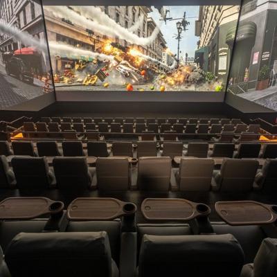 Jeep y Caribbean Cinemas crean alianza para lanzar la sala ScreenX