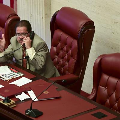 Senado publica salarios de empleados