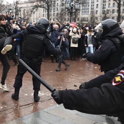 Más de 3,000 detenidos en Rusia en protestas por Navalny