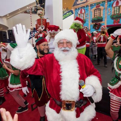 Santa llega a Plaza Las Américas
