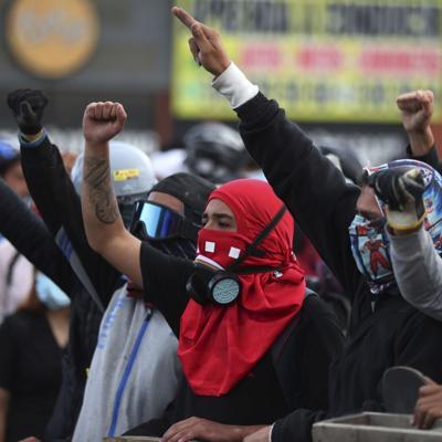 Van 42 muertos por protestas en Colombia