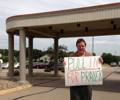 7-8-13 drive through prayer 1.jpg
