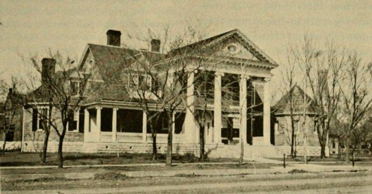 plumb house 1919.jpg