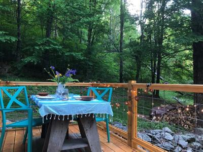 Romantic Wooded Vermont Cabin