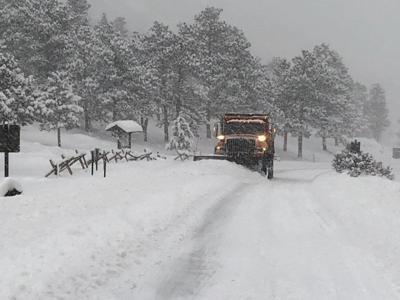 Snowplow-operations-Deer-Ridge-Junction-RMNP-March-14-Courtesy-Rocky-Mountain-National-Park.jpg