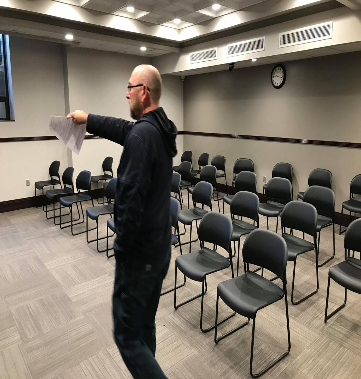 Mike Henderson showcases municipal courtroom