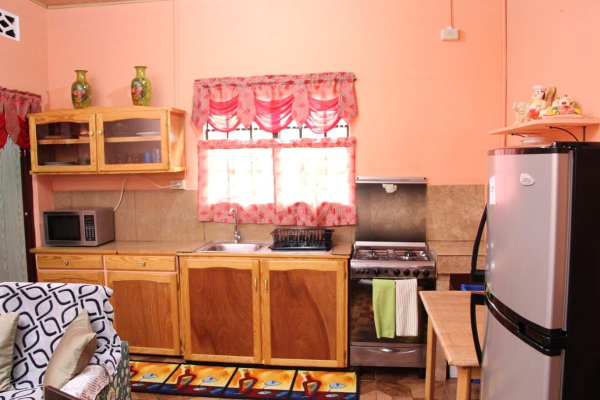 FULLY FURNISHED:  2 Bedroom Apartment. Complete, with all