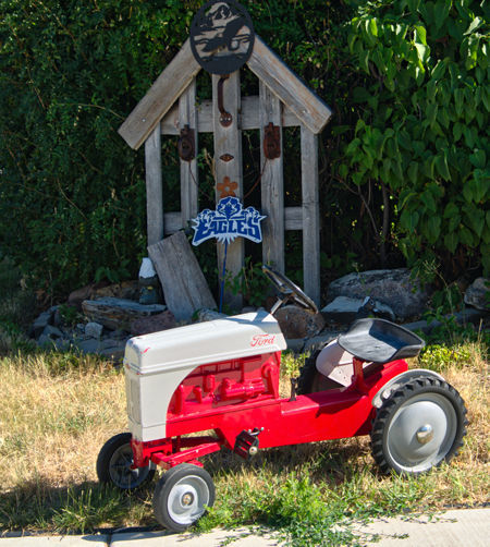 Pedal-Tractor