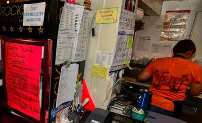 10002019-08-21-Mels-Diner-StoryDSC_5558.jpg