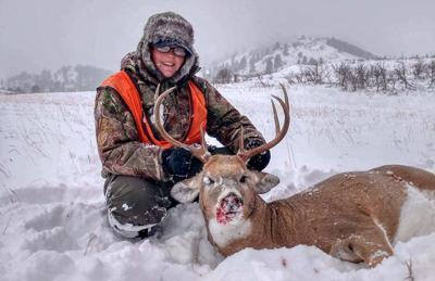 Catherine Has Successful Hunt Near Cascade!