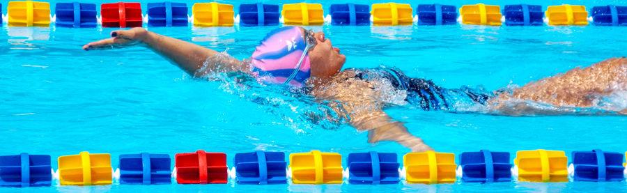 900-Toryn-swimming-the-backstroke-DSCF4380.jpg