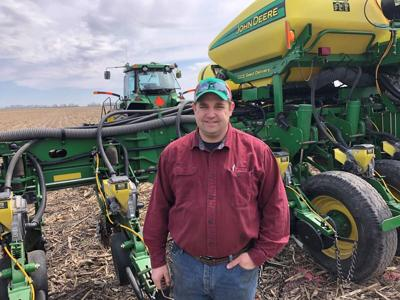 Farmers gear up for planting, slight acreage shift in Illinois