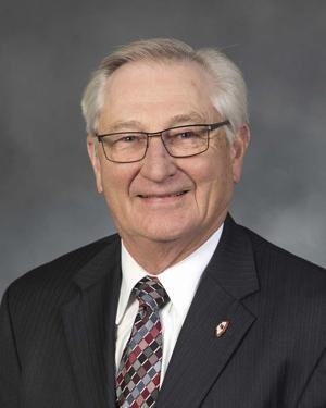 Guebert: Don't hesitate to call farmer helpline