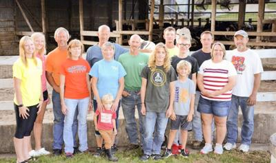 Dairy farmers expand into hog production