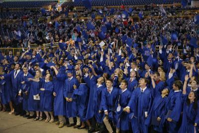 A_LHS_Graduation_34.jpg
