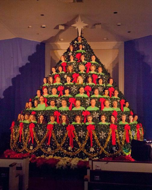 Living Christmas Tree.Be A Singing Face In The Living Christmas Tree Lifestyles