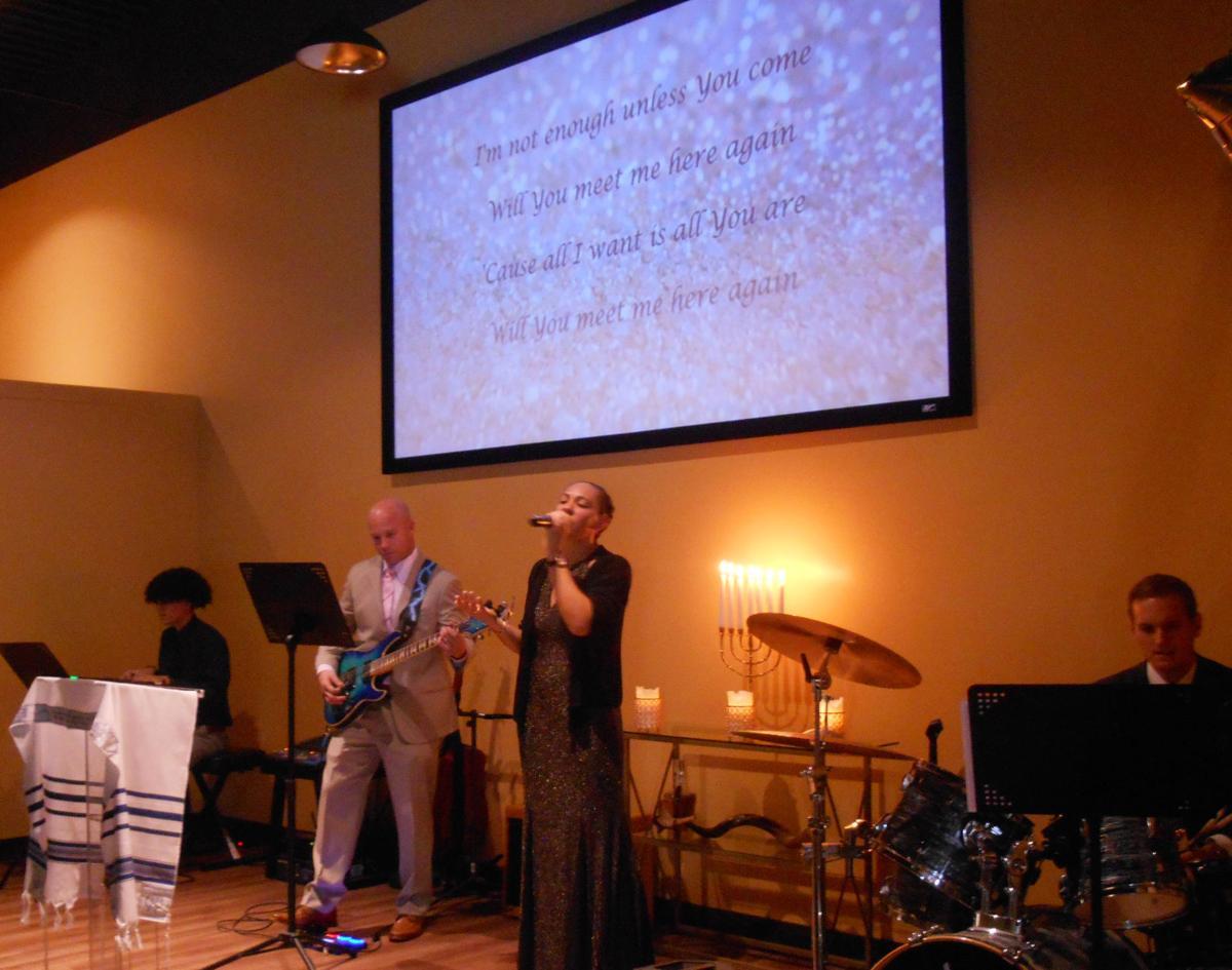 photo_ft_news_new life church 16.jpg