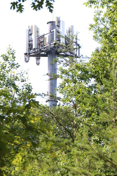 photo_ft_news_broadband_tower 5_070319.jpg