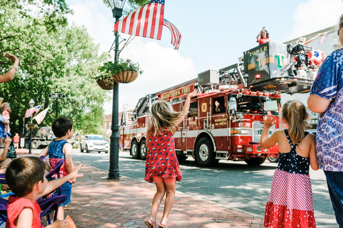 photo_ft_news_4th July Warrenton parade-3_20200704.jpg