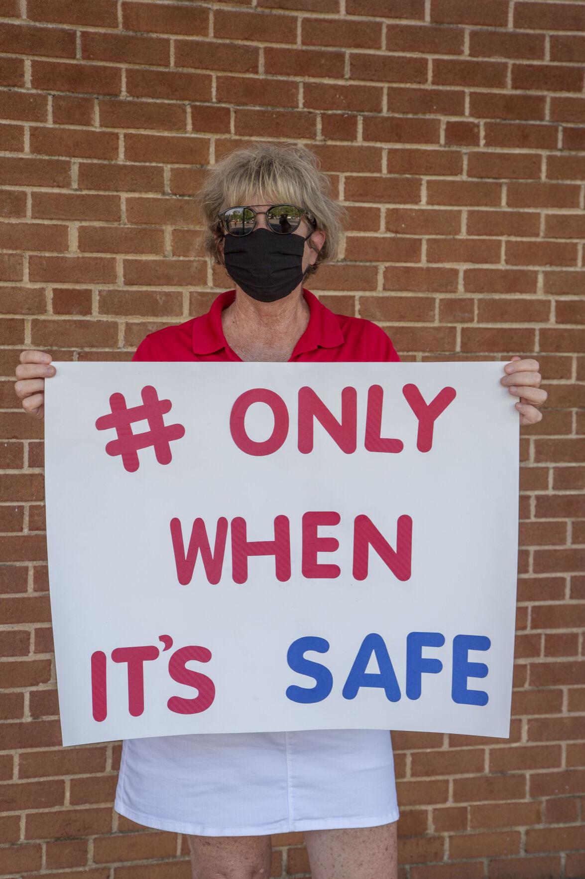 photo_ft_news_school board 1_072920.jpg