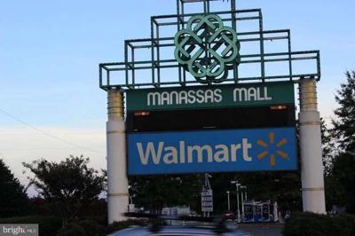 Manassas mall Walmart