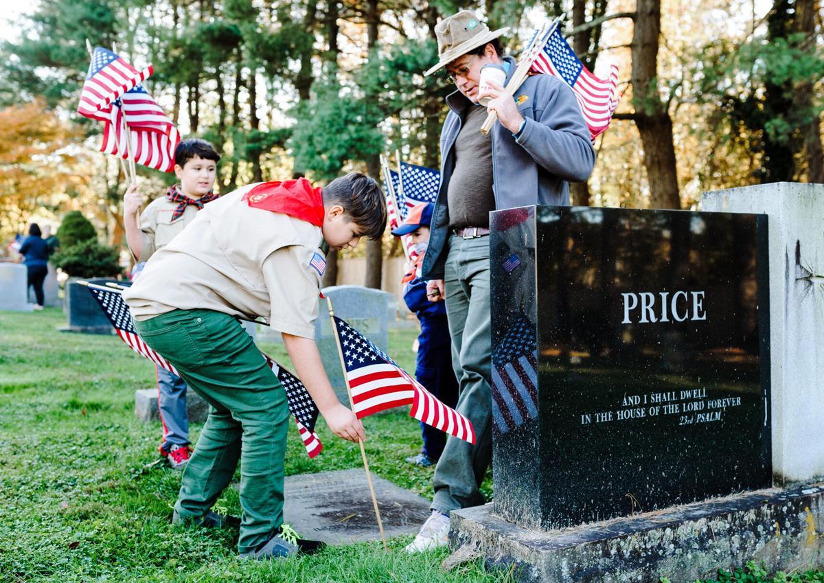 photo_ft_news_veterans day flags-1_20201107.jpg