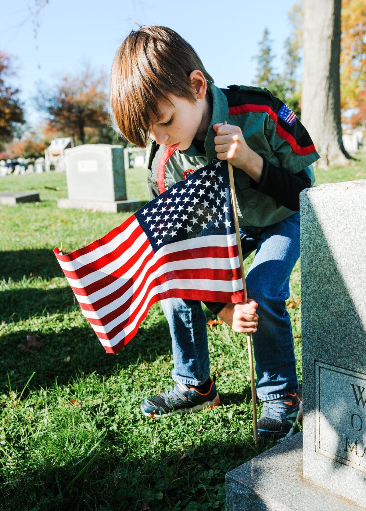 photo_ft_news_veterans day flags-2_20201107.jpg