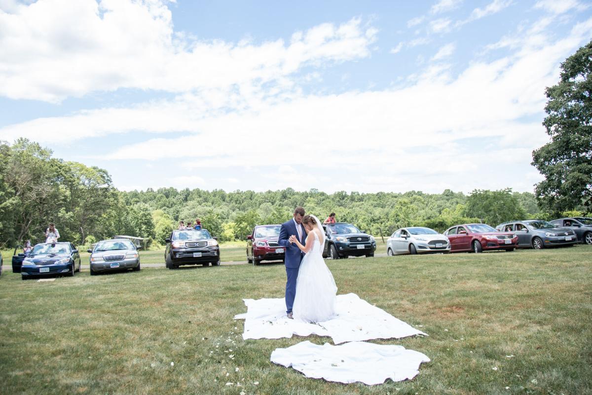 photo_ft_news_covid wedding 2.jpg