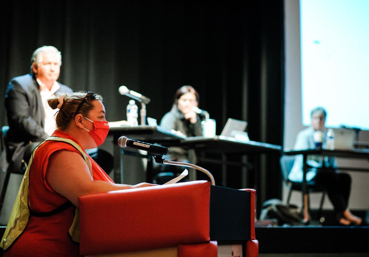 photo_ft_news_school board-3_20200713.jpg