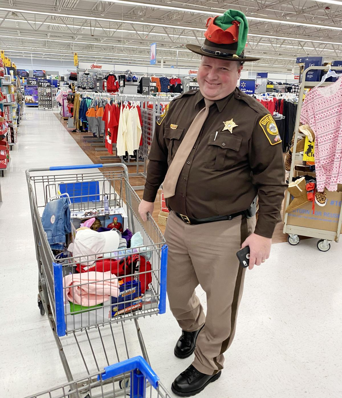 photo_ft_news_shop with a cop 7.jpg