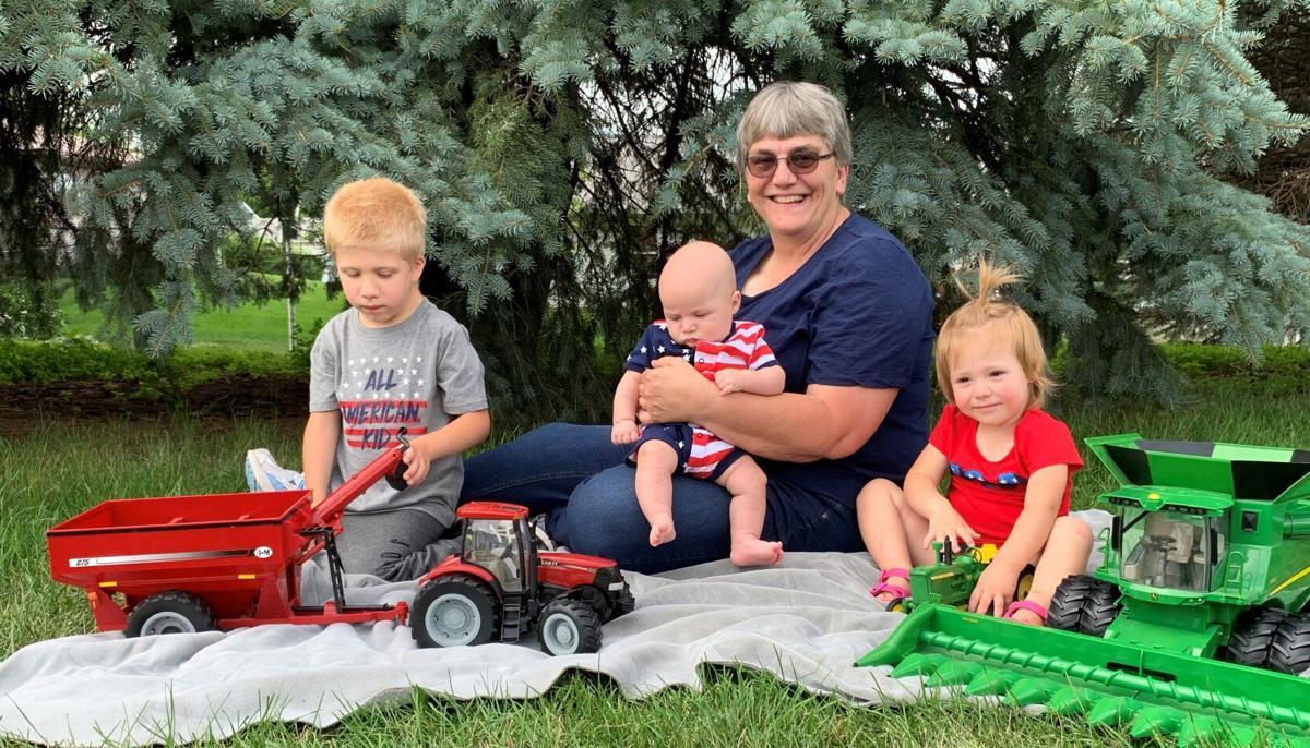 Lisa Lunz and Grandchildren.jpg