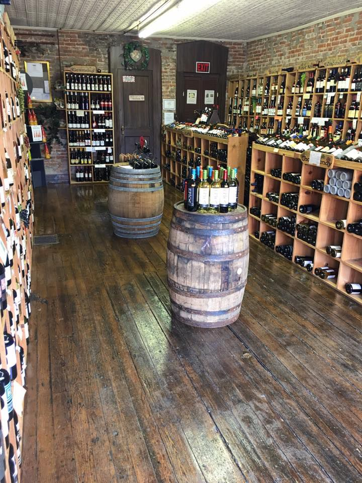 Spotlight: Dean's Liquor Wine Room