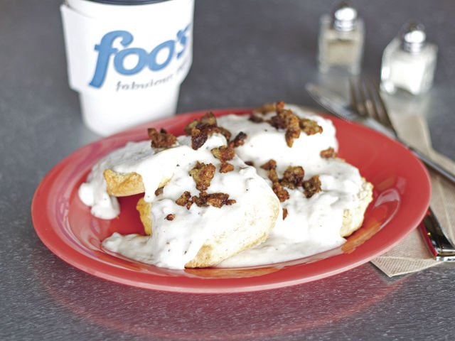 Foo's Fabulous Café Biscuits and Gravy